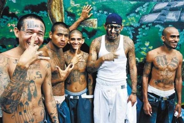 2812 The Deadly Gangs of El Salvador (40 photos)