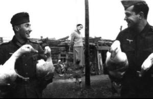Soviet Photo Manipulation of World War II (12 photos) 5