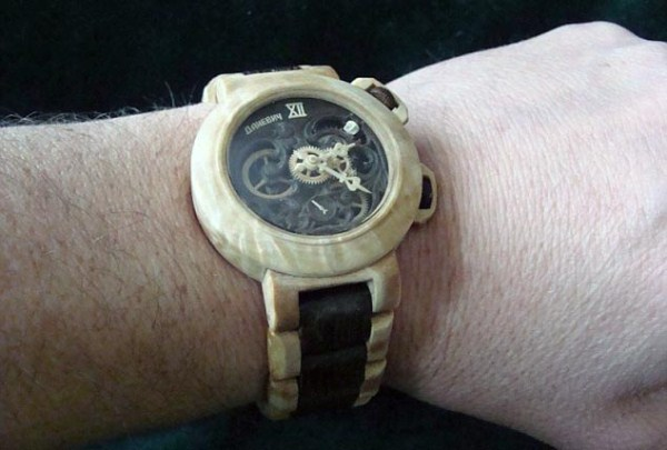 636 Fully Functional Watches Carved out of Wood (10 photos)