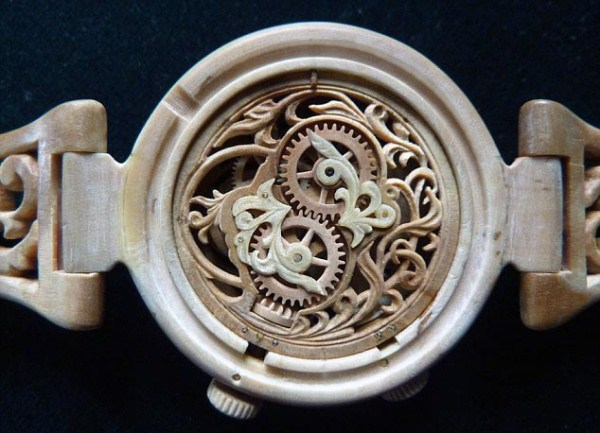831 Fully Functional Watches Carved out of Wood (10 photos)