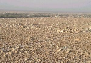 World's Largest Cemetery (12 photos) 9