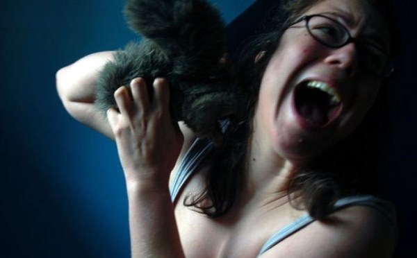 women vs animals 6 Women vs Animals (35 photos)