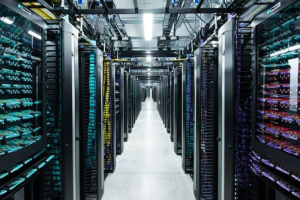 facebooks_data_center_on_the_edge_of_the_arctic_circle_05_1