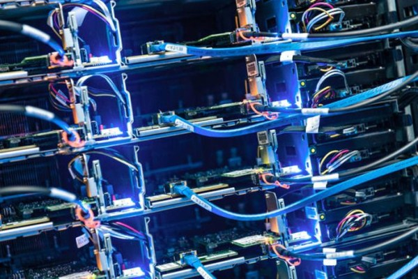 facebooks_data_center_on_the_edge_of_the_arctic_circle_16_1