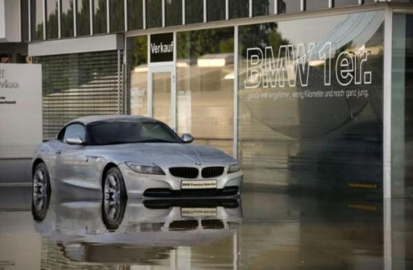 flooded_car_01_1