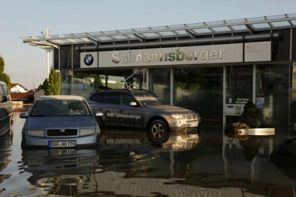 flooded_car_02_1