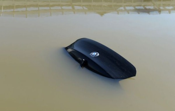 flooded_car_03_1