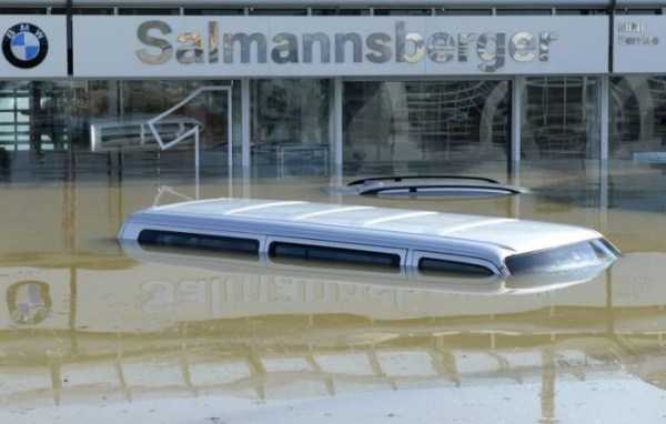 flooded_car_04_1