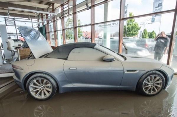 flooded_car_06_1