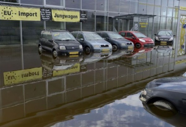 flooded_car_09_1