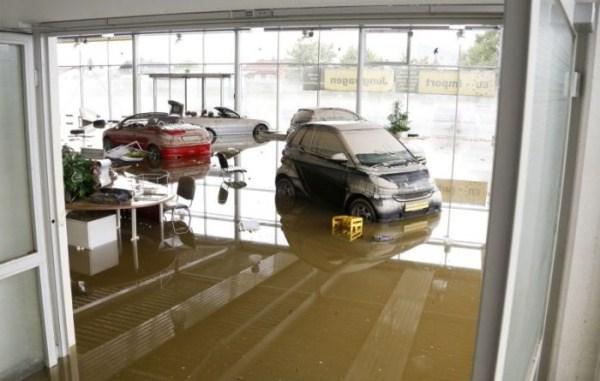 flooded_car_16_1
