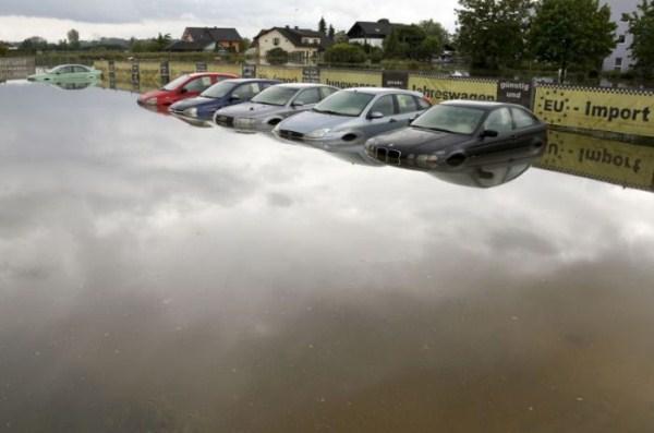 flooded_car_17_1