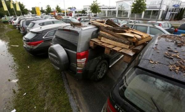 flooded_car_18_1