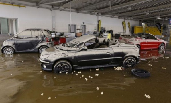 flooded_car_27_1