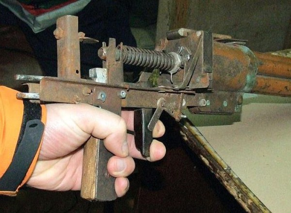 homemade weapons 12 Homemade Weapons (37 photos)
