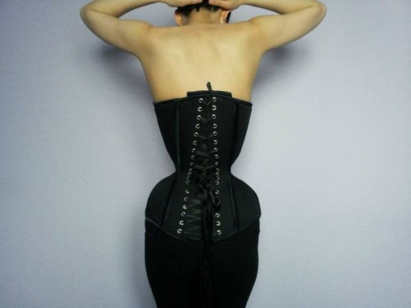 wearing-corset-for-three-years-20