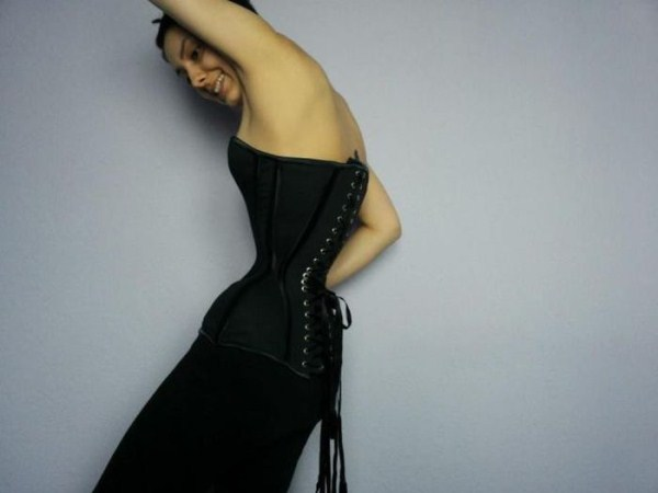 wearing-corset-for-three-years-21
