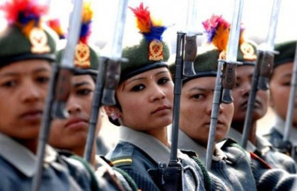 which country has the most beautiful female army soldiers 01 1 The Most Beautiful Female Army Soldiers (20 photos)