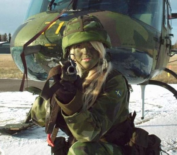 which country has the most beautiful female army soldiers 11 1 pictures