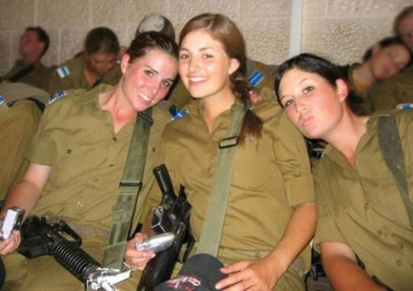 which country has the most beautiful female army soldiers 15 1