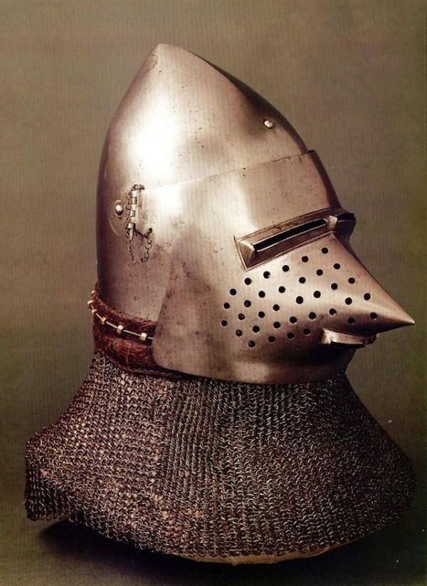520 Κράνη από την ηλικία των Armored Combat (32 φωτογραφίες)