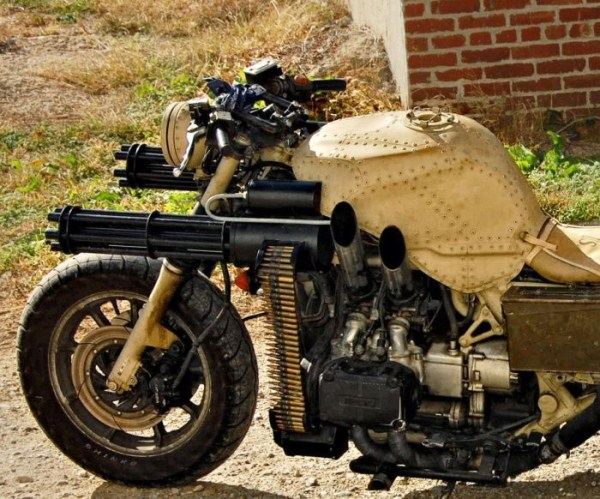 motorcycle_with_two_guns_01_1