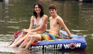 Two Teenagers in Love (12 photos) 6