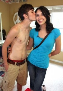 Two Teenagers in Love (12 photos) 9