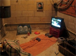 Video Gamers Who Live in a Pigsty (22 photos) 3