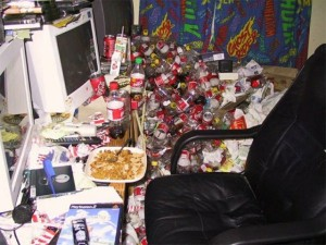 Video Gamers Who Live in a Pigsty (22 photos) 5
