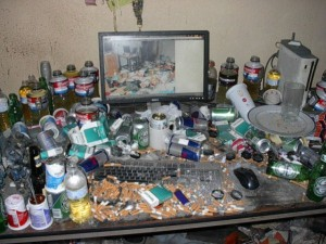 Video Gamers Who Live in a Pigsty (22 photos) 19