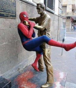 Having Fun With the Bronze Statues (20 photos) 14