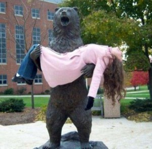 Having Fun With the Bronze Statues (20 photos) 15