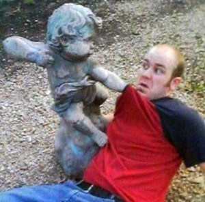 Having Fun With the Bronze Statues (20 photos) 18