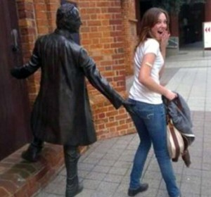 Having Fun With the Bronze Statues (20 photos) 19