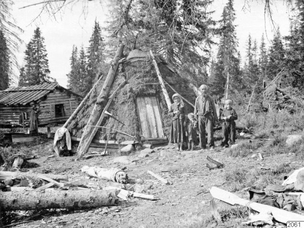 1226 Russian Village Life in 1910 (37 photos)