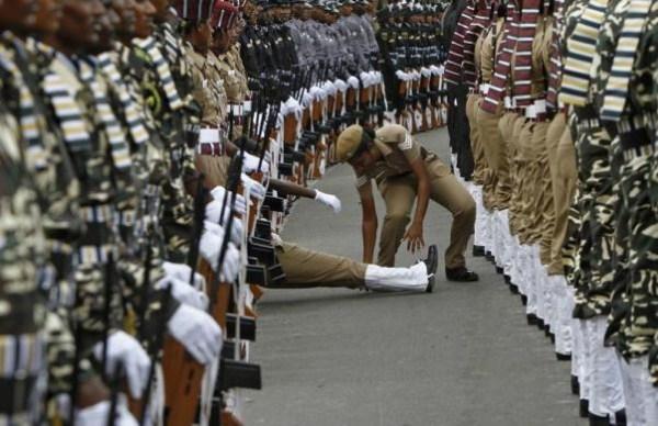 128, όταν οι στρατιώτες στην προσοχή λιποθυμήσετε (21 φωτογραφίες)
