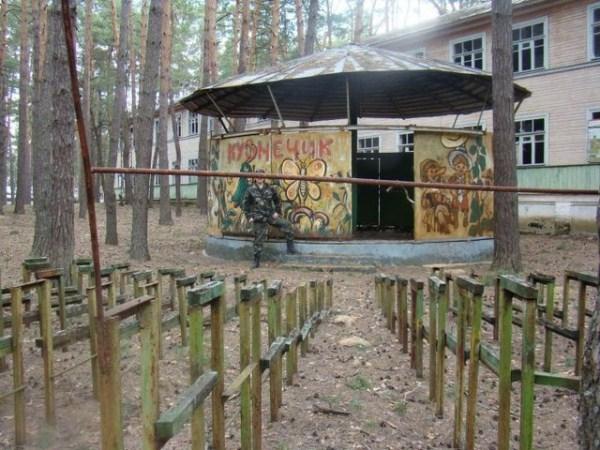 1426 Εγκαταλελειμμένα Καλοκαιρινές κατασκηνώσεις στη Ρωσία (39 φωτογραφίες)