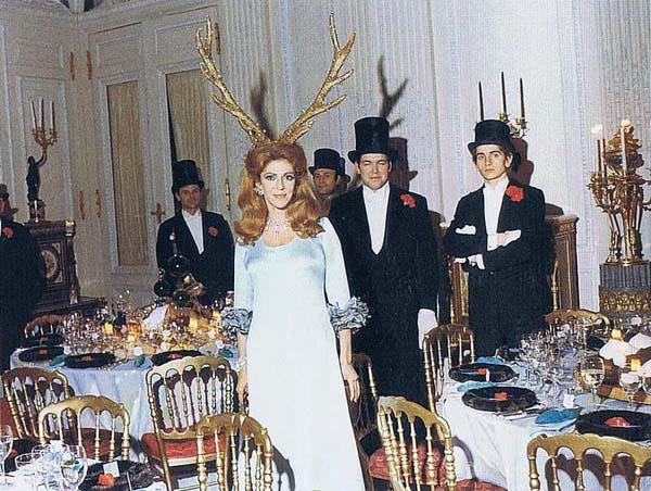 1616 Inside a Bizarre Rothschild Party (20 photos)