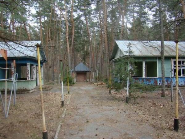 2127 Εγκαταλελειμμένα Καλοκαιρινές κατασκηνώσεις στη Ρωσία (39 φωτογραφίες)