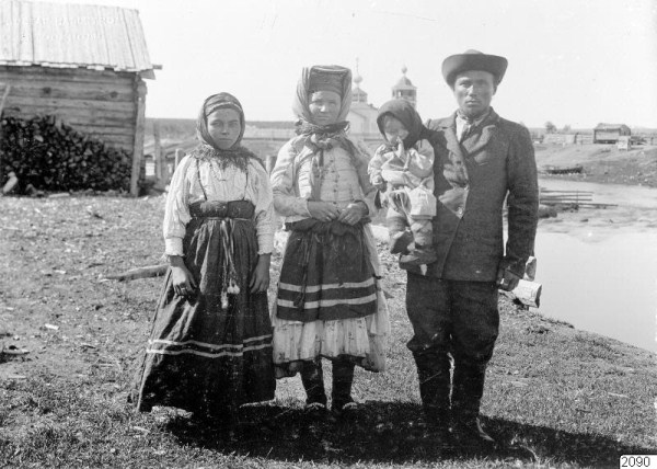 2716 Russian Village Life in 1910 (37 photos)