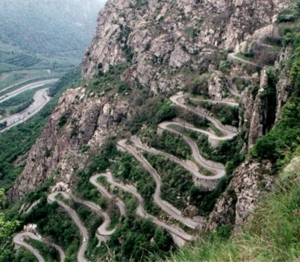 Most Wicked Roads In The World (34 photos) 33