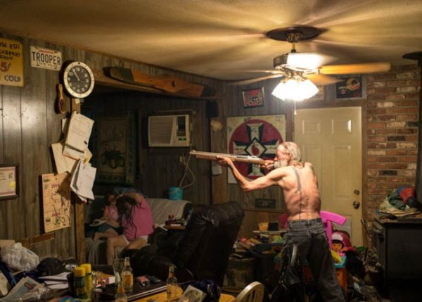 A Day in the Life of the Ku Klux Klan (44 photos) 4