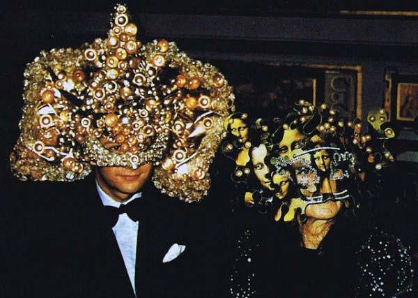 717 Inside a Bizarre Rothschild Party (20 photos)