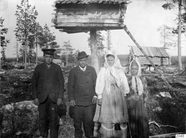 725 Russian Village Life in 1910 (37 photos)