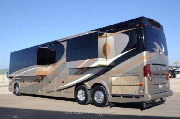 a motorhome that is pure luxury on wheels 640 02 Pure Luxury on Wheels (59 photos)