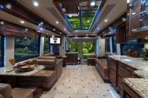 a motorhome that is pure luxury on wheels 640 03 Pure Luxury on Wheels (59 photos)