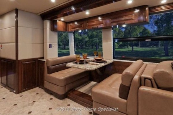 a motorhome that is pure luxury on wheels 640 06 Pure Luxury on Wheels (59 photos)