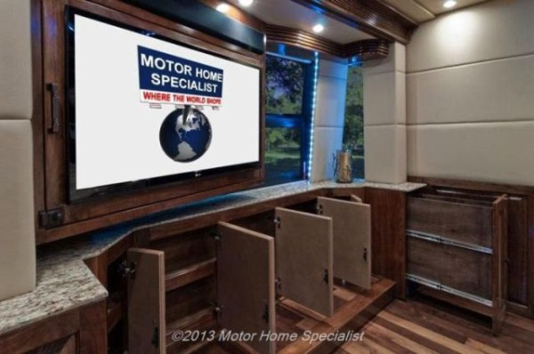 a motorhome that is pure luxury on wheels 640 25 pictures