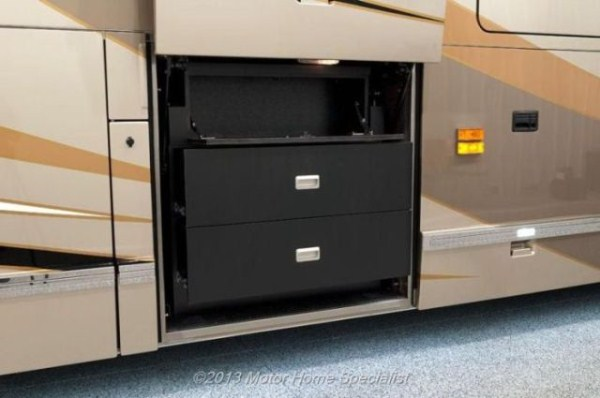a motorhome that is pure luxury on wheels 640 46 Pure Luxury on Wheels (59 photos)